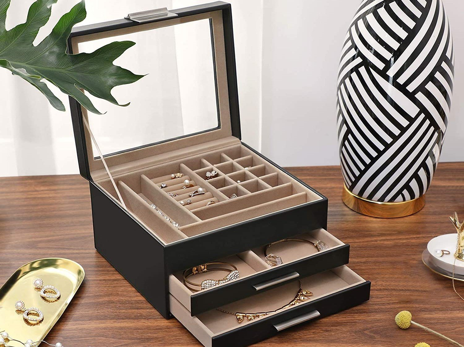 Top 7 Best Jewelry Boxes Reviews & Buyers Guide In 2021